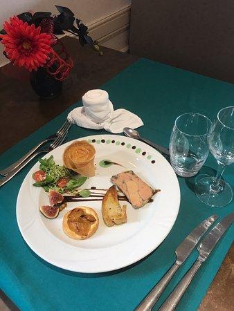 Joinville, Frankreich: chaud froid de foie gras accompagnée de sa tarte tatin mirabelle