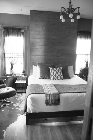 Lodging burlington vermont the hotel for you for Cabins burlington vt