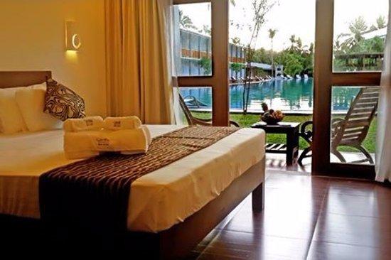 Carolina Beach Hotel Deluxe Pool View Room