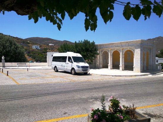 Tinos, اليونان: Tranfers and tours in Tinos 