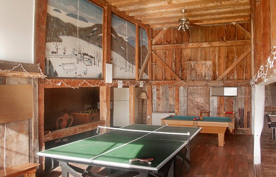 Sunapee, NH: Game room with ping-pong, air hockey, foosball, card table, pool table, tv