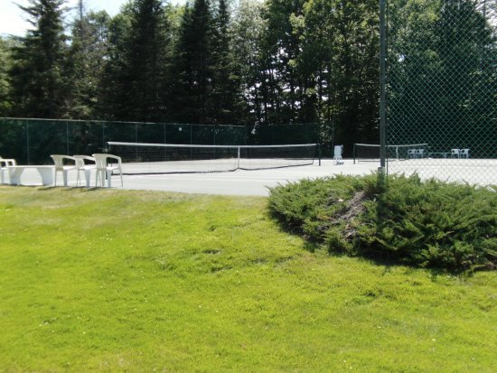 Sunapee, NH: Two tennis courts with free use of rackets and balls