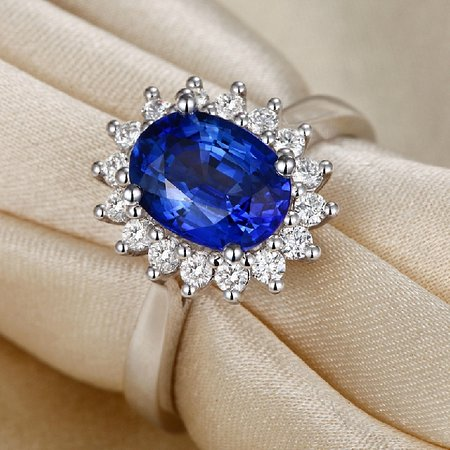 Waikkal, Sri Lanka: 18K White Gold Ring Set With Blue Sapphire and Diamond