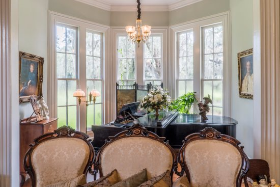 Bluffton, SC: The Ladies' Parlor