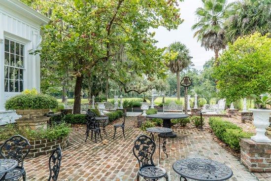 Bluffton, SC: Garden Patio