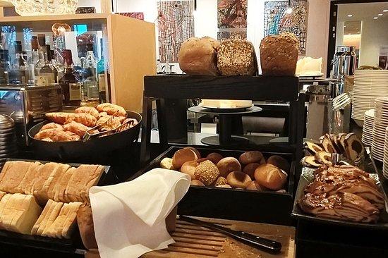 Küchenstudios Frankfurt brot brötchen stuten kuchen picture of innside by melia