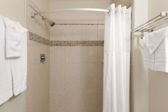 Travelodge Motel of St Cloud: First Floor Restrooms, no bathtubs