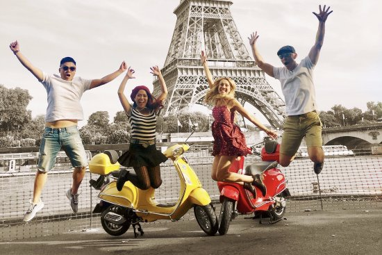 Parijs, Frankrijk: Ride'n'Smile: vespa scooter tour paris
