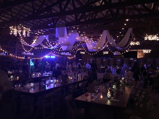 Roxbury, NY: Wedding Barn