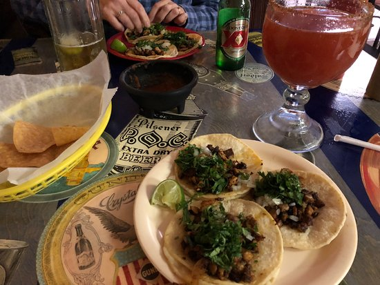 Willard, OH: Taco al Pastor and Michelada