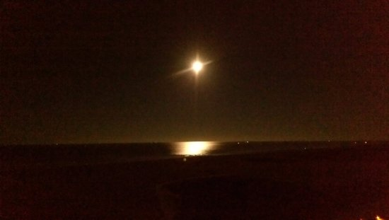 Bilmar Beach Resort: Full moon over the Gulf