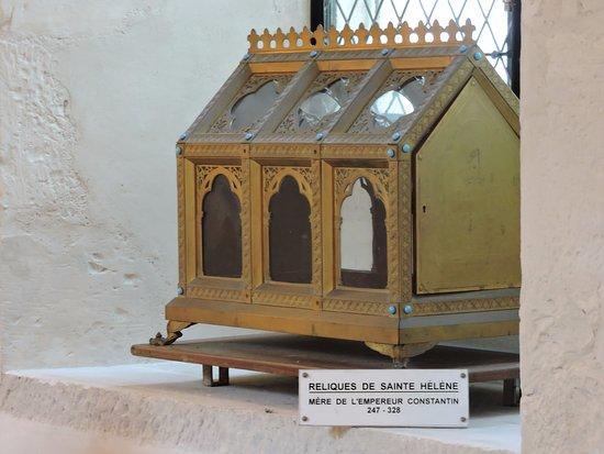 Hautvillers, Francja: Interesting relics