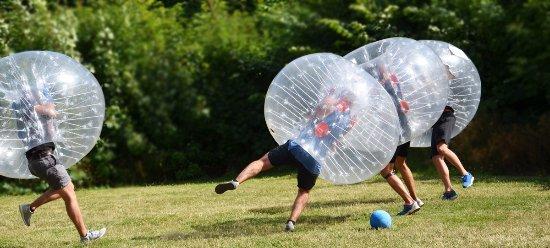 Visby, Svezia: Bumperball, den perfekta aktiviteten för svensexan / möhippan!