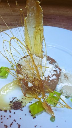 Hindon, UK: New chef means delicious new dishes with this chocolate mousse and tastes of lemon and lime