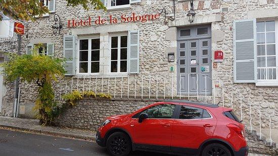 Hotel De La Sologne : nouvelle façade de l'hôtel