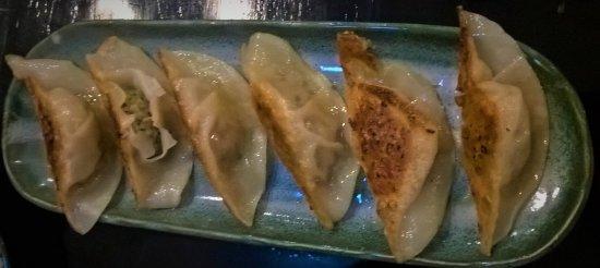 Naypyidaw, Myanmar: gyoza fried dumplings