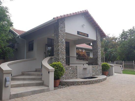 Selati 103 Guest Cottages: Reception