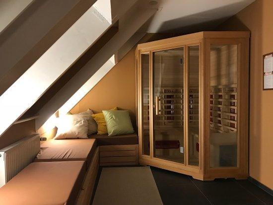 Center Parcs Park Nordseeküste: Badezimmer VIP-Ferienhaus + Eingang+ Restaurantbereich