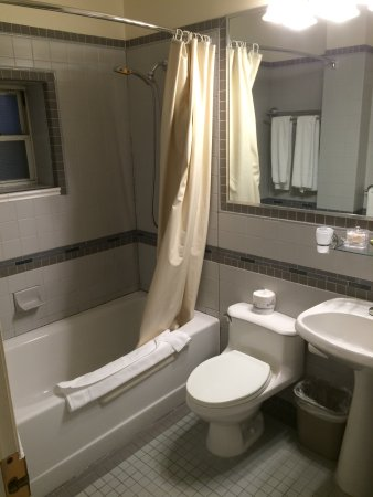 Hotel stanford 99 1 2 5 updated 2017 prices - Average cost of a new bathroom 2017 ...