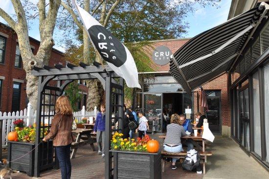 Cru Cafe   Exterior