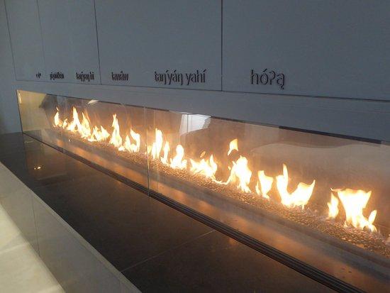 Foto de remai modern saskatoon a long fireplace with the for Long modern fireplace