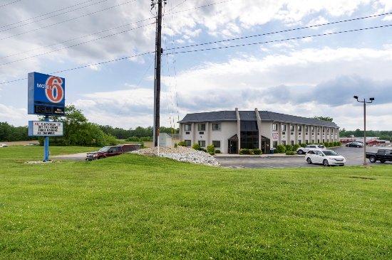 Motel 6 Cloverdale