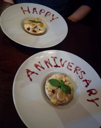 Rothley, UK: Heavenly banoffee pies, with a lovely message!
