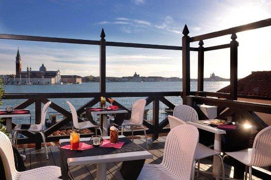 Hotel Paganelli: Terrasse donnant sur la lagune