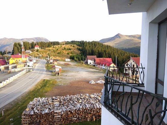 Ranca, Romênia: View from Balcony