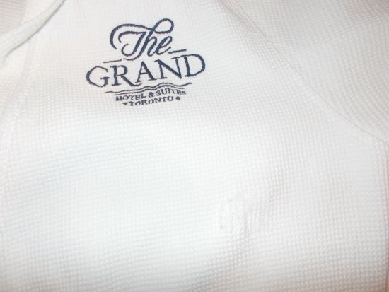Grand Hotel & Suites: Great Bathrobes