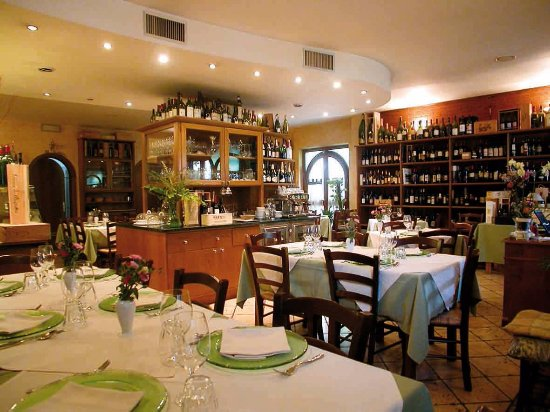 Seravezza, อิตาลี: interno locale