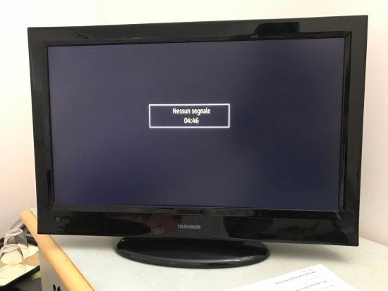 TV (no signal) - Picture of Masseria Baroni Nuovi, Brindisi
