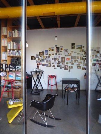 Art News Cafe: a look inside