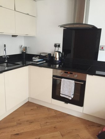 Nell Gwynn House Apartments: Great kitchen