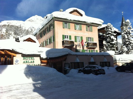 Silvaplana, Switzerland: Restaurant Pizzeria Arlas