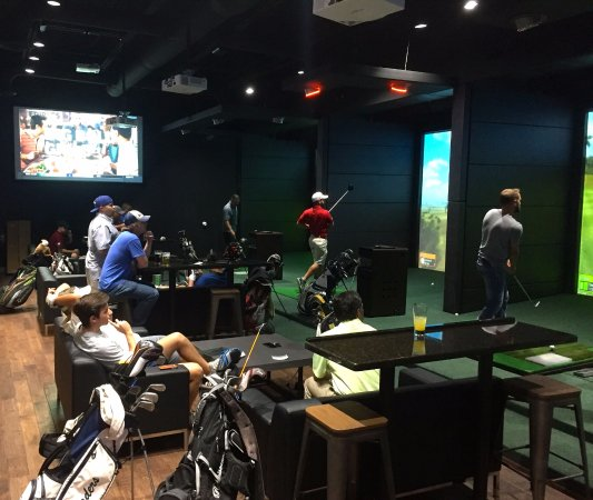 ‪‪Swing Zone Golf‬: Bring your friends or join a league‬