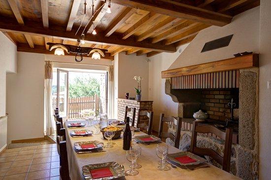 Saint-Bonnet-le-Courreau, Frankrike: table d'hôtes sur réservation. 16€ par personne