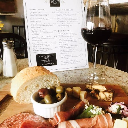 Buffalo, Minnesota: Great wine and food!