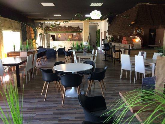 "The Jungle "" Burger Bar & Pizzeria "": Salle 1"