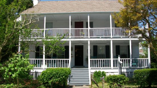 Langdon House Bed and Breakfast: Langdon House offers Southern Hospitality