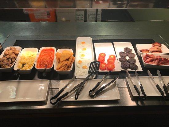 Premier Inn Dorchester: Buffet style All You Can Eat Breakfast