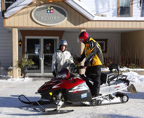Severn Bridge, Canada: Welcome to our snowmobile guests!