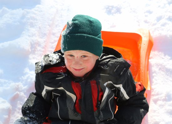 Severn Bridge, Kanada: Tobogganing is fun for all!