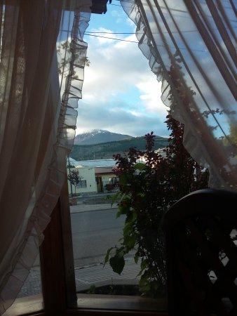 Hosteria Angelina: Excelente vista desde el desayunado!