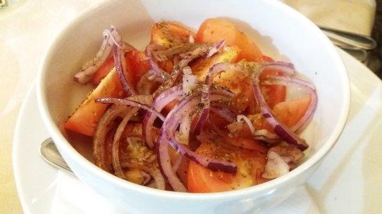La Bussola: Tomatensalat mit Basilikum