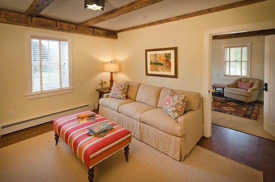 Arlington, VT: Our Honeybee Suite