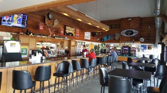 Thomson, Ιλινόις: The Sandtrap - on-site sports bar