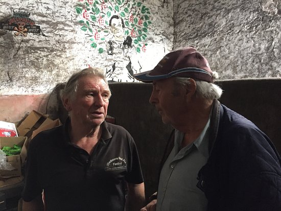 Wedmore, UK: Another Great afternoon spent with Roger Wilkins what a Gentleman, Wilkins Wonderland is the pla
