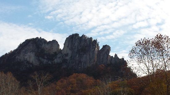 Seneca Rocks, WV: View of the rocks from the parking lot