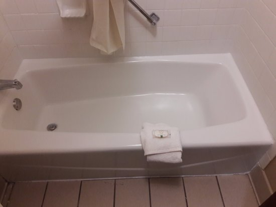 Tifton, GA: Beautifully updated bathtubs